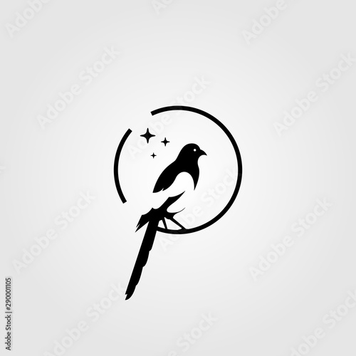 Photo magpie bird negative space logo vector illustration
