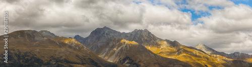 Fotografie, Tablou  Panoramic at Mount Larkins mountain peaks in Lord of the Rings film location  Gl