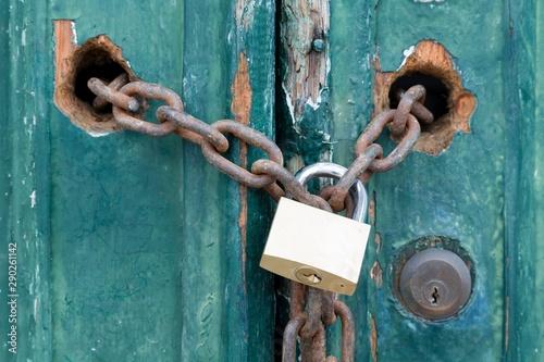 Fotografía  Padlock and chain