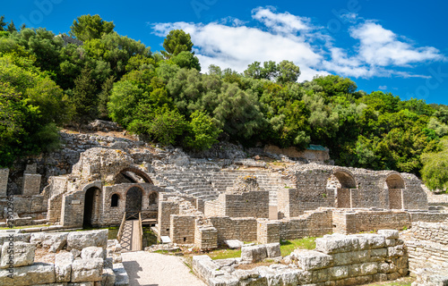 La pose en embrasure Con. Antique Ruins of the ancient town of Butrint in Albania