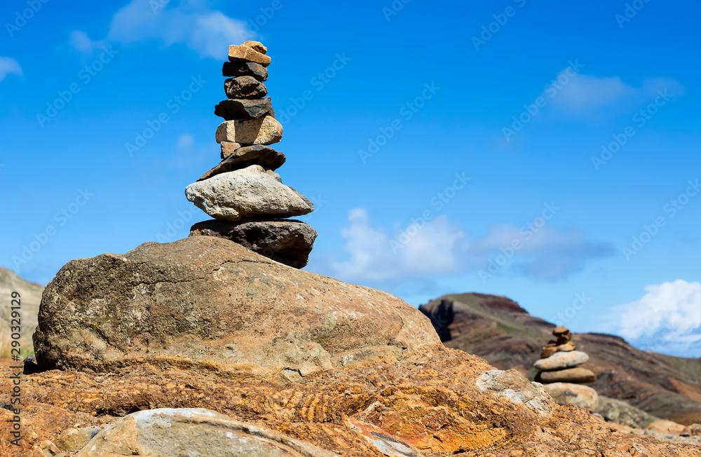 Fototapeta Steinsymbol auf Madeire