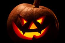 Halloween Pumpkin With Scary F...