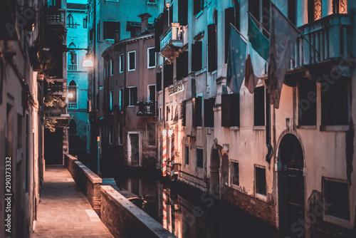 Cadres-photo bureau Venice Venice Street Photography Red And blue