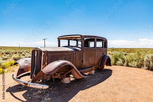rostiges autowrack an der route 66 Canvas Print