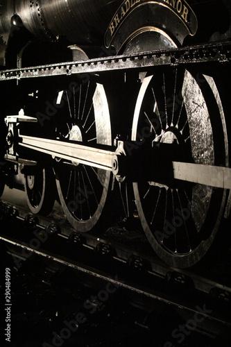 Poster Voies ferrées Metal wheels of a steam train