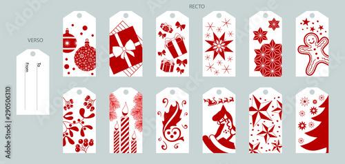 Photo Série d'étiquettes, fond blanc, illustrées d'objet de Noël rouge, pour décorer et nommer le destinataire de vos cadeaux