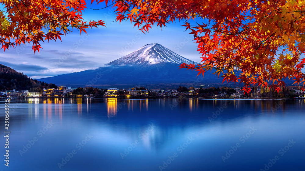 Obraz Fuji mountain and Kawaguchiko lake in morning, Autumn seasons Fuji mountain at yamanachi in Japan. fototapeta, plakat