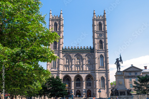 Canvas Print Montreal, Canada-July 7, 2019: Notre-Dame Basilica Catholic Chur