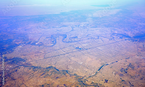 Aerial view of Baghdad, the capital of Iraq located along the Tigris River Billede på lærred