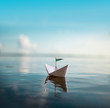 canvas print picture - Papaierboot auf ruhiger See