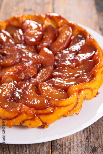 apple pie with caramel, tarte tatin- french gastronomy Fotobehang