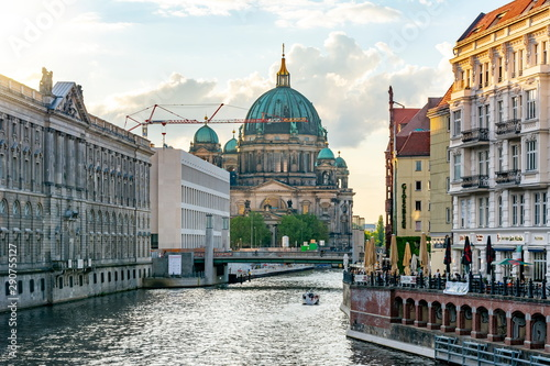 Berlin Cathedral (Berliner Dom) on Museum island and Spree river at sunset, Germ Fototapete
