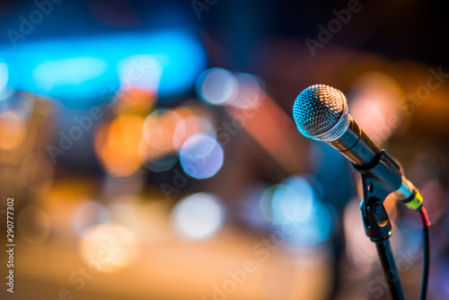 Obraz Close-up of classic microphone at concert - fototapety do salonu