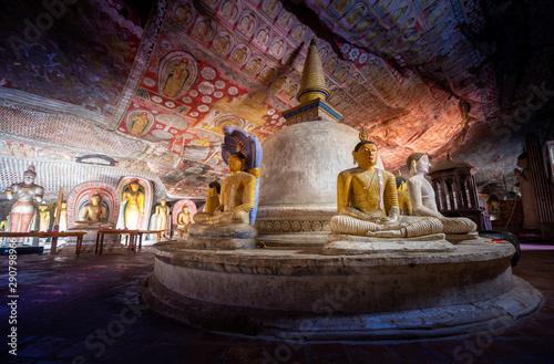 Carta da parati  Dambulla cave temple in Sri Lanka