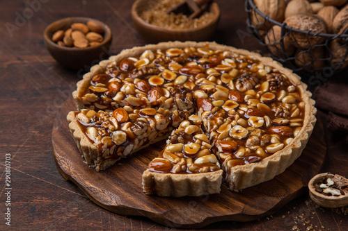 Obraz na plátně Nut and caramel tart