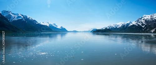 Obraz na plátně  Panoramic view of beautiful Glacier Bay in Alaska.