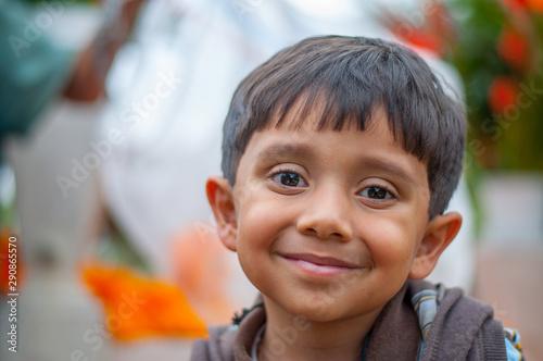niño latino sonriendo Canvas Print