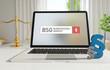 BSG (Bundessozialgericht) – Laptop Monitor im Büro mit Begriff im Suchfeld. Paragraf und Waage. Recht, Gesetz, Anwalt.