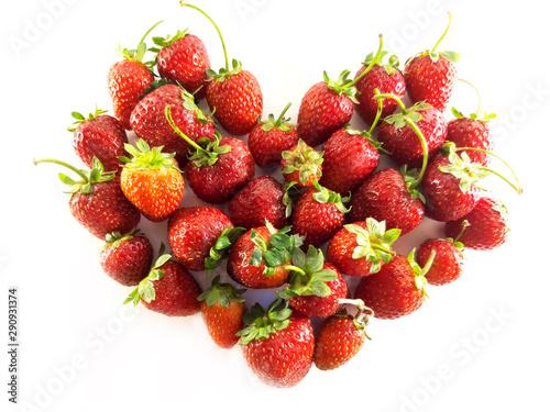 Valokuvatapetti Strawberries with leaves