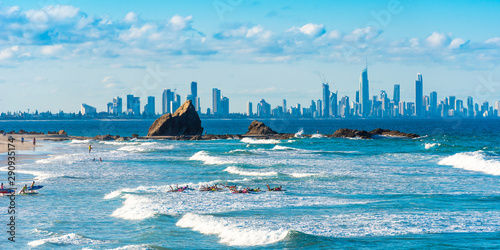 Valokuva Group of people on a surf, Gold Coast, Queensland, Australia.