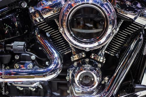 Türaufkleber Fahrrad Shiny chrome motorcycle engine with twin piston