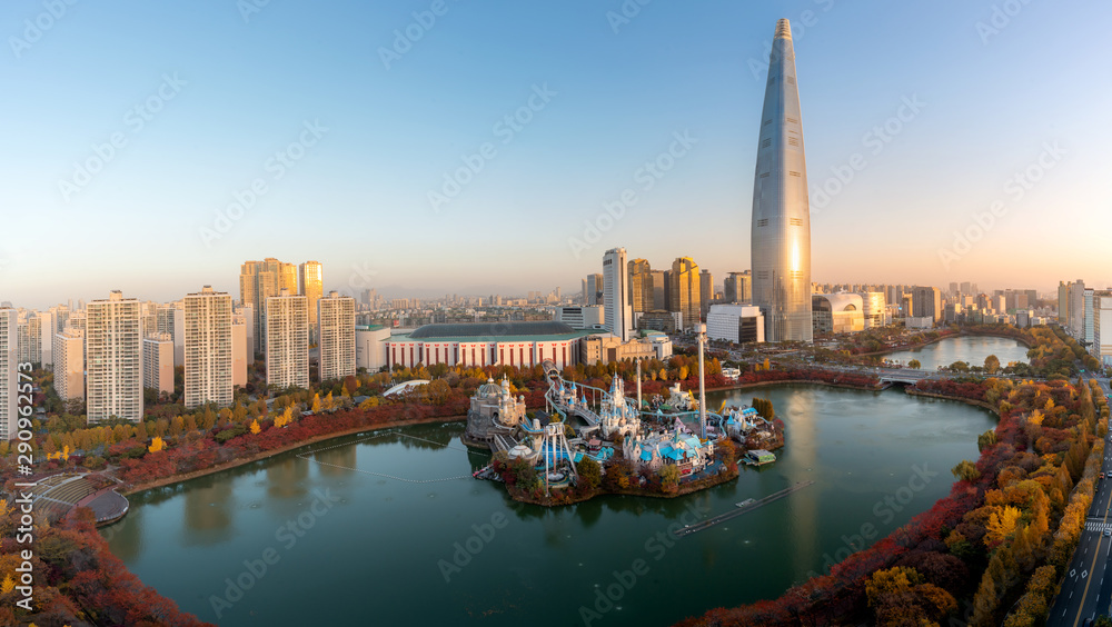 Fototapeta South Korea skyline of Seoul, The best view of South Korea with Lotte world mall at Jamsil in Seoul. Tourism, summer holiday, or sightseeing Seoul landmark concept
