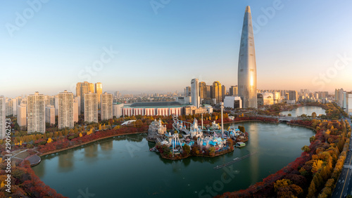 South Korea skyline of Seoul, The best view of South Korea with Lotte world mall at Jamsil in Seoul Wallpaper Mural