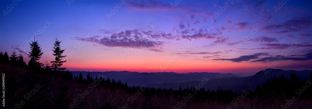 Fototapety, obrazy: Colorful skyline over the mountains in early morning before sunrise