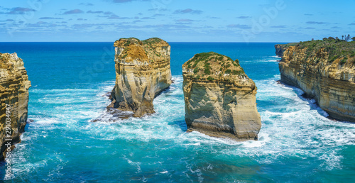 island arch from tom and eva lookout, port campbell, great ocean road, australia 9