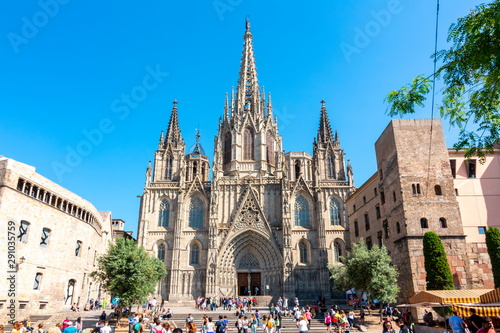 Naklejki historyczne cathedral-of-holy-cross-and-saint-eulalia-in-gothic-quarter-barcelona-spain
