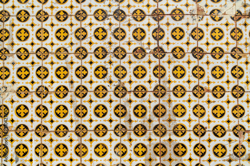 Detail of traditional portuguese tiles of badly preserved 19th century house in the historic center of Santarem, Pará state Fototapet