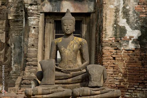 Foto op Canvas Historisch mon. Buddha statue in Monkeys Temple