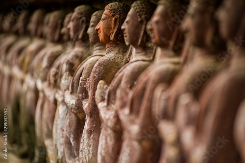 Photo sur Toile Buddha Stone carved statues in Sukhothai