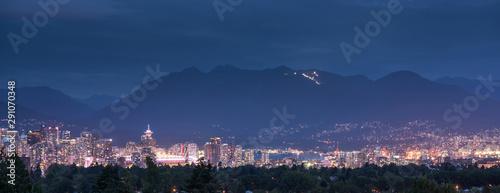 Fotografía Vancouver city skyline, British Columbia, Canada