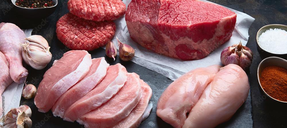 Fototapety, obrazy: Raw meat assortment