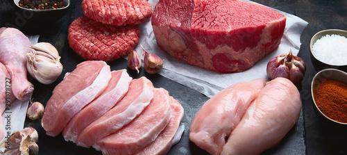 Fotobehang Kip Raw meat assortment