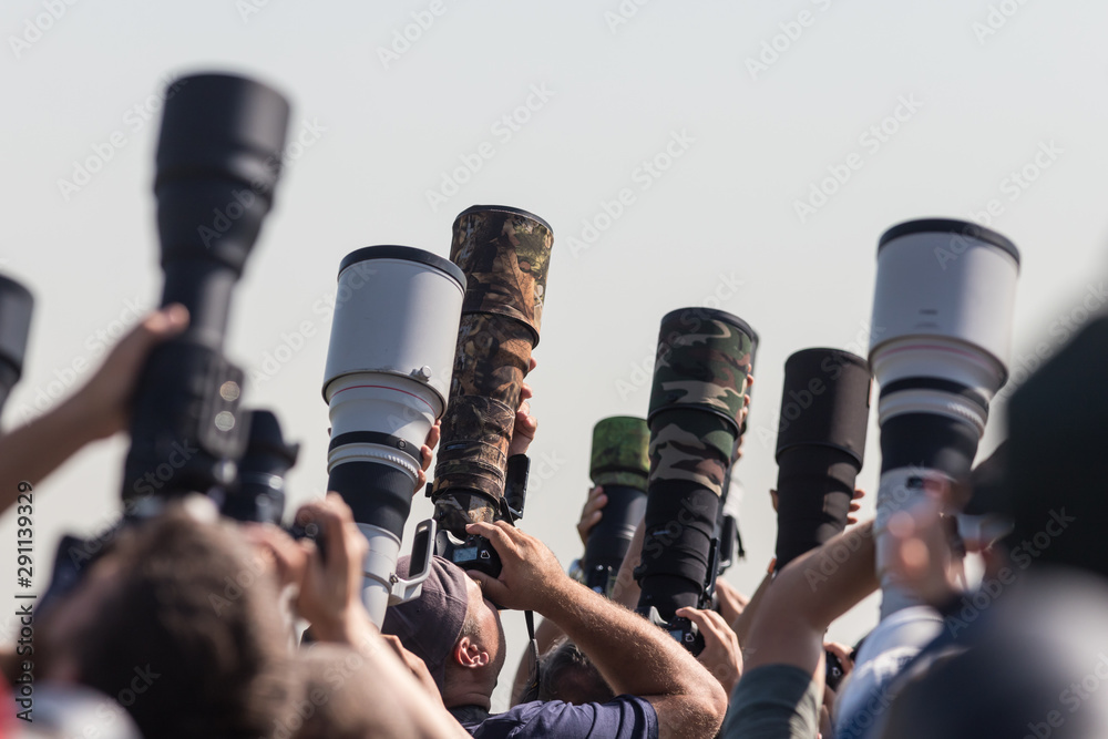 Fototapety, obrazy: Photographers taking a shot of the airplanes - many professional lenses
