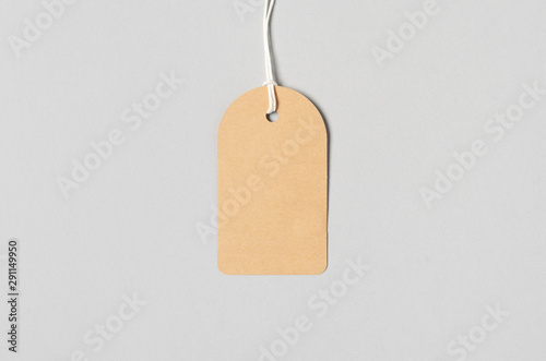 Carta da parati  Kraft clothing tag, gift tag mockup.
