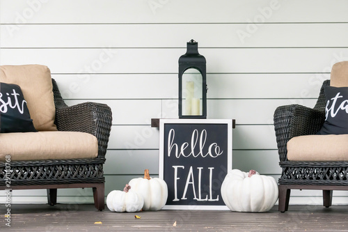 Stylish fall porch decor in black and white Canvas
