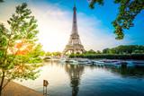 Fototapeta Fototapety z wieżą Eiffla - eiffel tour over Seine river