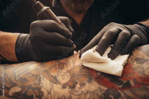 Fotografía  Close up tattoo machine