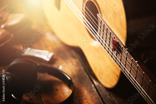 Vászonkép  guitar pick and guitar