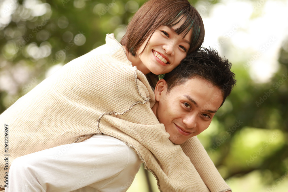 Fototapeta 笑顔のカップル