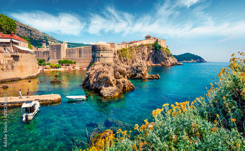 Fototapeta Attractive morning view of famous Fort Bokar in city of Dubrovnik. Bright summer seascape of Adriatic sea, Croatia, Europe. Beautiful world of Mediterranean countries.