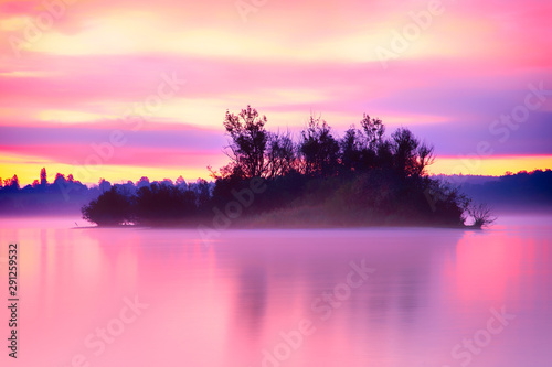 Foto auf Leinwand Rosa Lovey Sunrise at the Ammersee