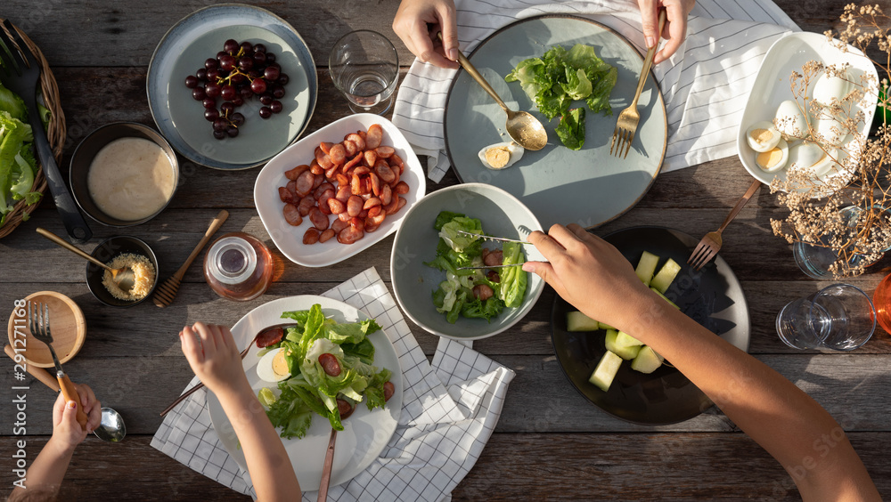 Fototapety, obrazy: Woman and man dinner with organic salad, Food healthy organic vegetable concept with top view