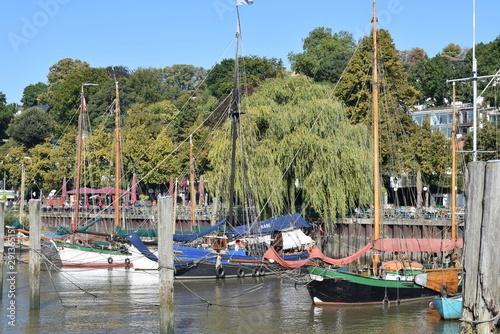 Recess Fitting North Sea puerto y parada de transporte público marítimo en Hamburgo