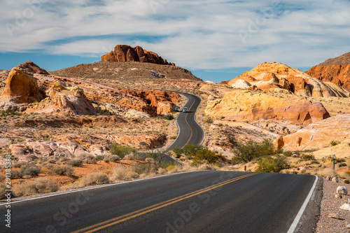 Road through Valley of Fire State Park, Nevada, USA Fotobehang