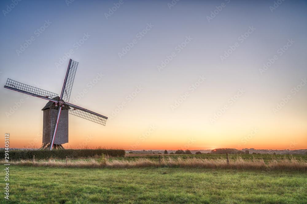 Fototapeta An beautiful windmill
