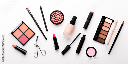 Assortment of luxury cosmetics for every day makeup on white Fototapet